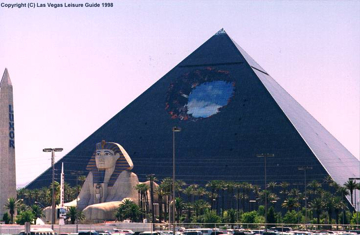 The Las Vegas Leisure Guide - Heard Around Town - Archive 2 Bruce Willis Tower