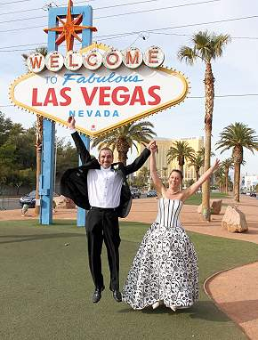 Vegas wedding advisor the most incredible wedding date for Las vegas wedding online